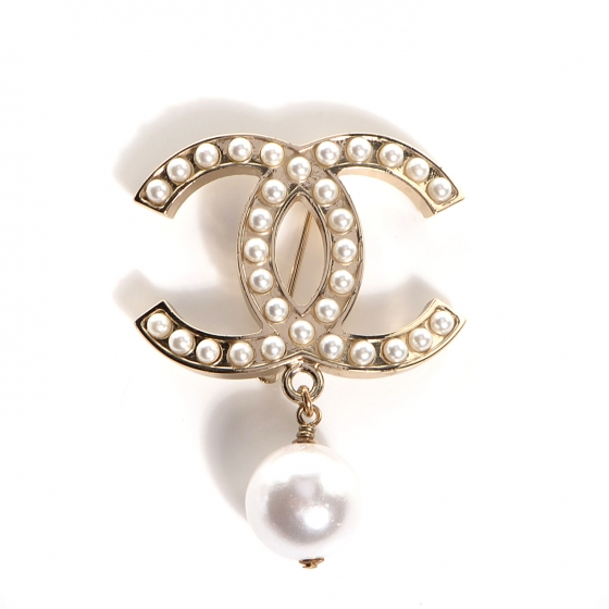BW81103-CHANEL-CC-Pearl-Brooch-with-Pearl-Drop-Gold-0